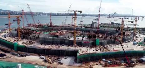 新会展中心展览中心项目在进行桩基施工