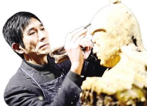 张木芳:传统雕刻工艺与现代雕刻艺术相结合
