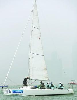 厦门市大学生帆船比赛中拼得1银