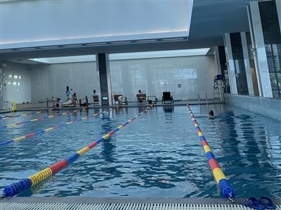 市民吐槽泳池不文明事件 呼吁大家共同守住泳池文明