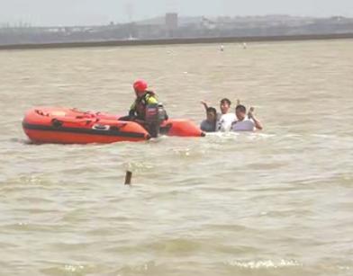 游客不懂潮汐被困 泉州多举措消除安全隐患